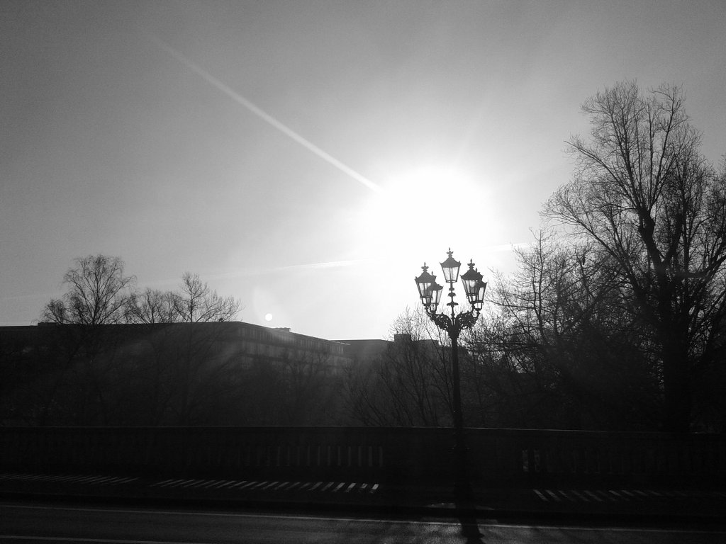 Morning light as we walked to the flat. Photo: Sanjin Đumišić.