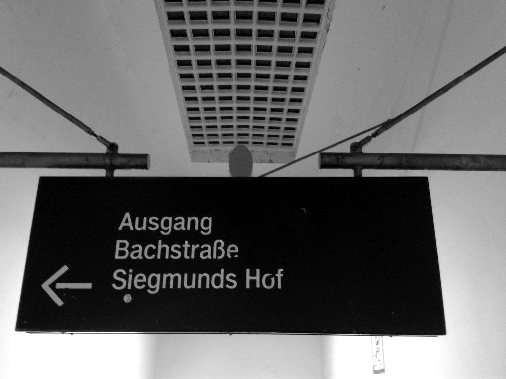 Exit sign. Photo: Sanjin Đumišić.