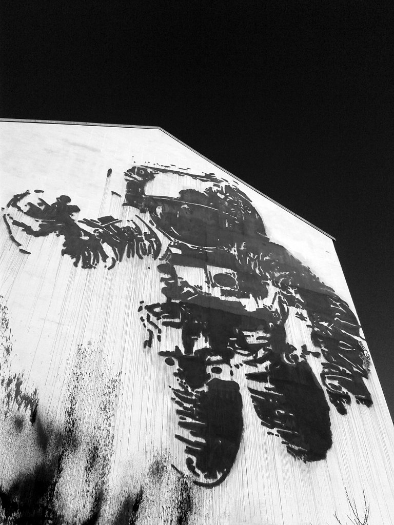 Moonwalk astronaut street art, Apollo 11. Photo: Sanjin Đumišić.
