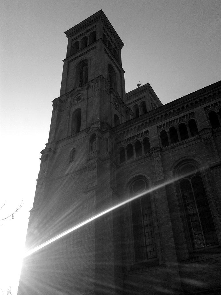 Sunset meeting the church. Photo: Sanjin Đumišić.