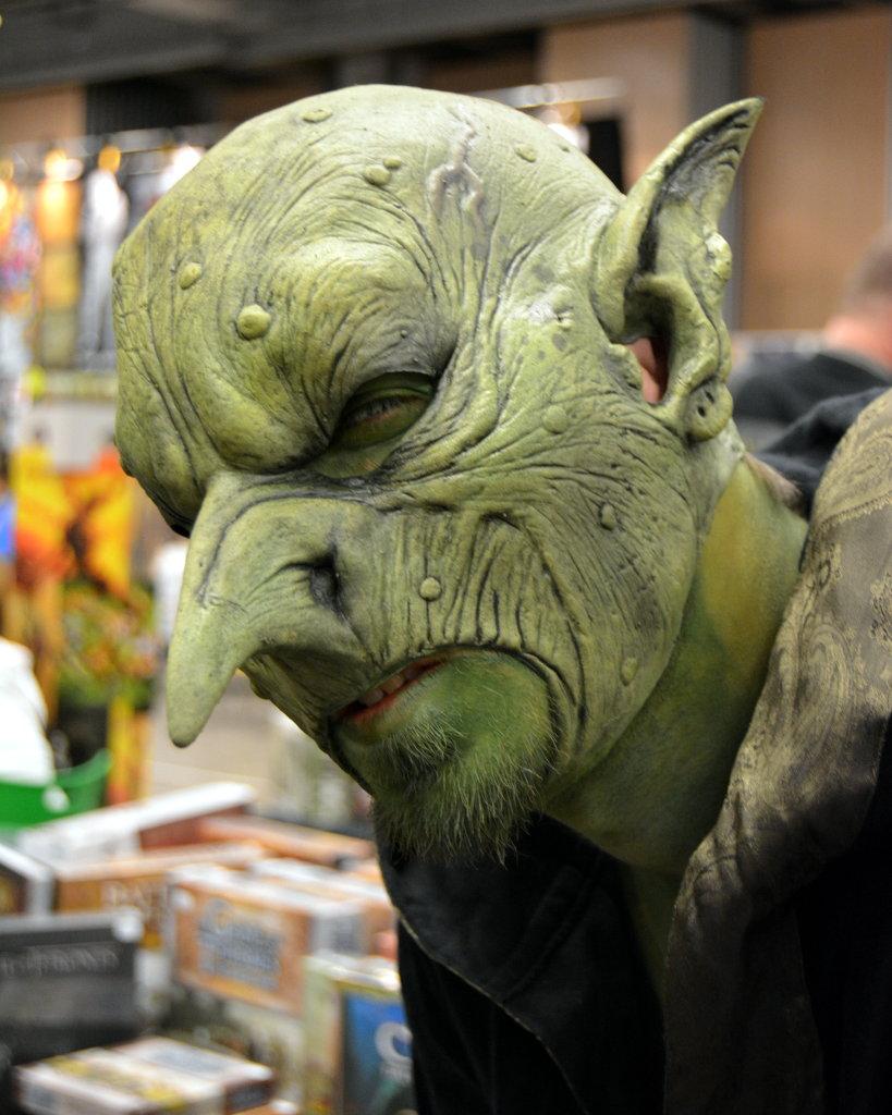 Green mask man. Photo: Sanjin Đumišić.