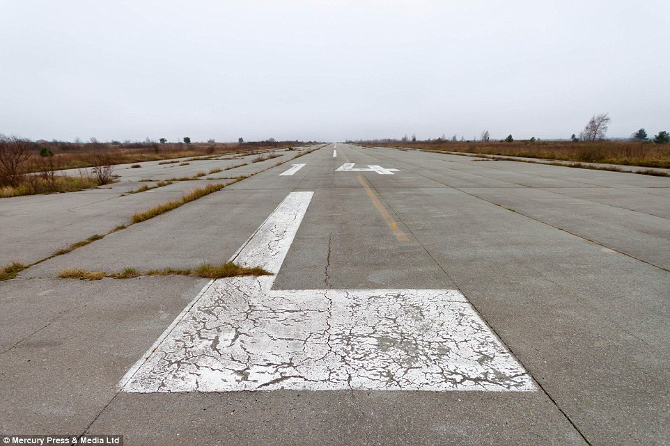 Željava Air Base (Objekat 505).