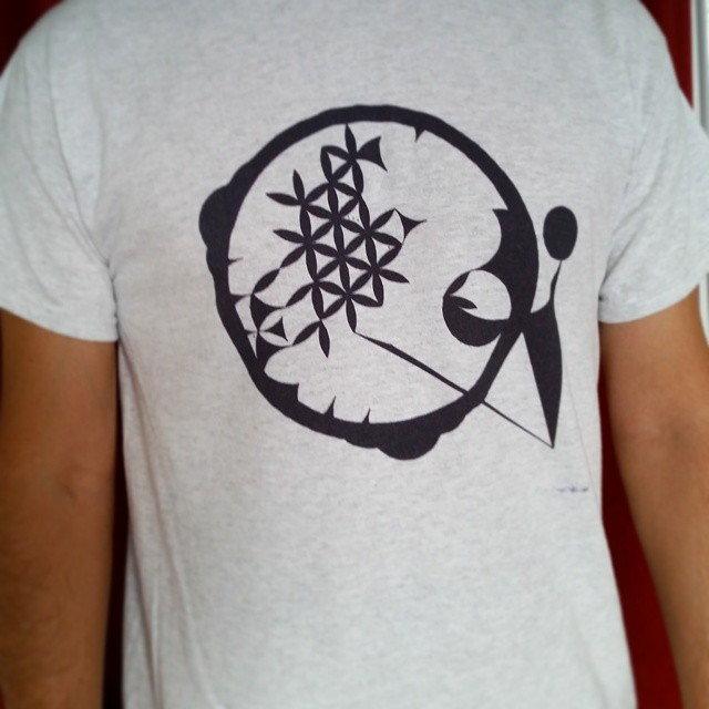 Cosmogram graphic design on a t-shirt. Sanjin Đumišić.