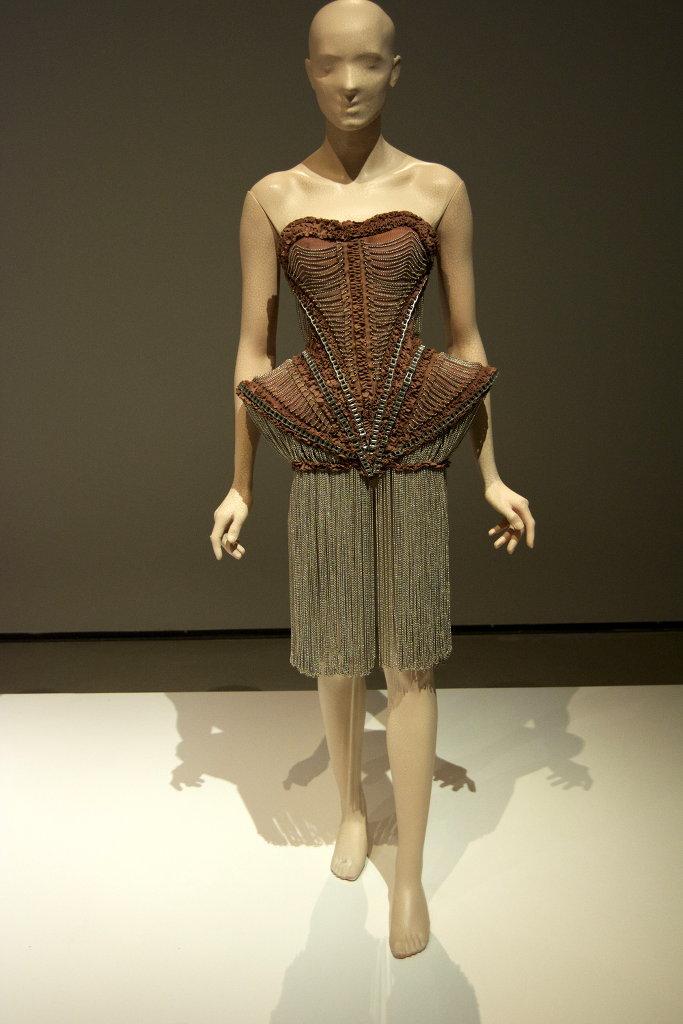 Iris Van Herpen at Textilmuseet in Borås. Photo: Sanjin Đumišić.