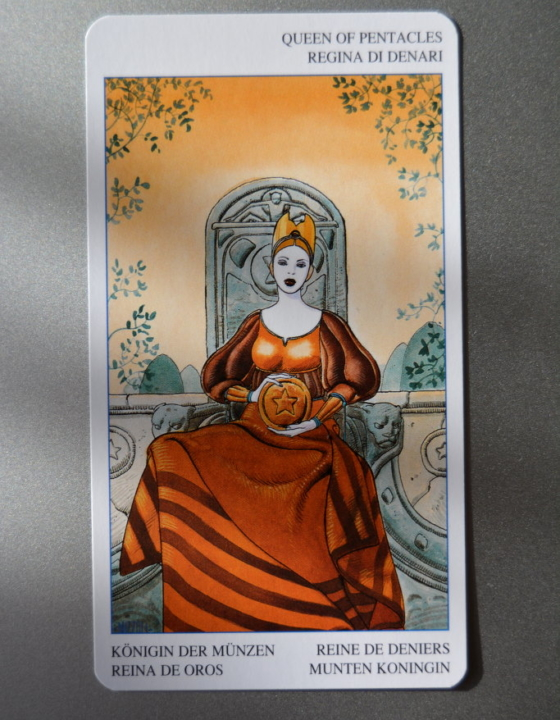 Tarot Card – Queen of Pentacles