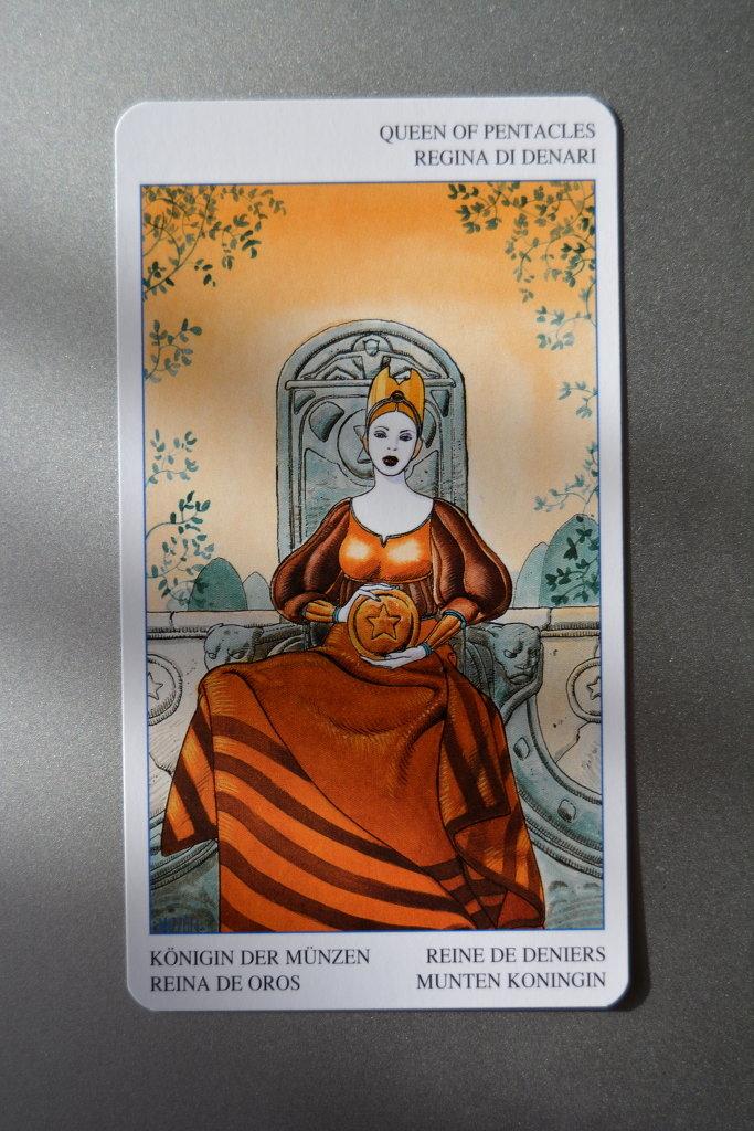 Tarot Card – Queen of Pentacles