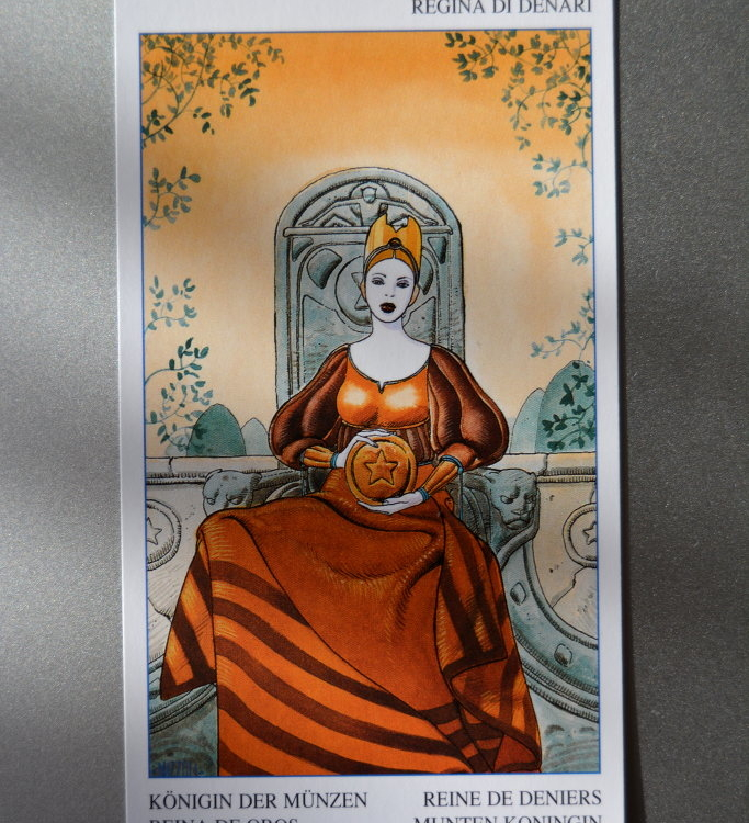 Tarot Card – Queen