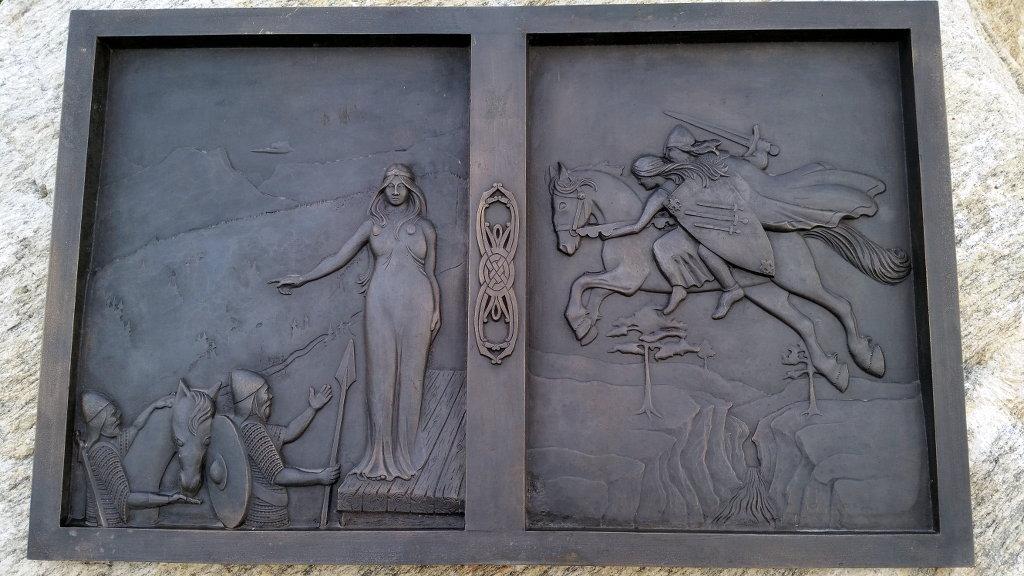 Norse myth plate in Høre near the stave church. Photo: Sanjin Đumišić.