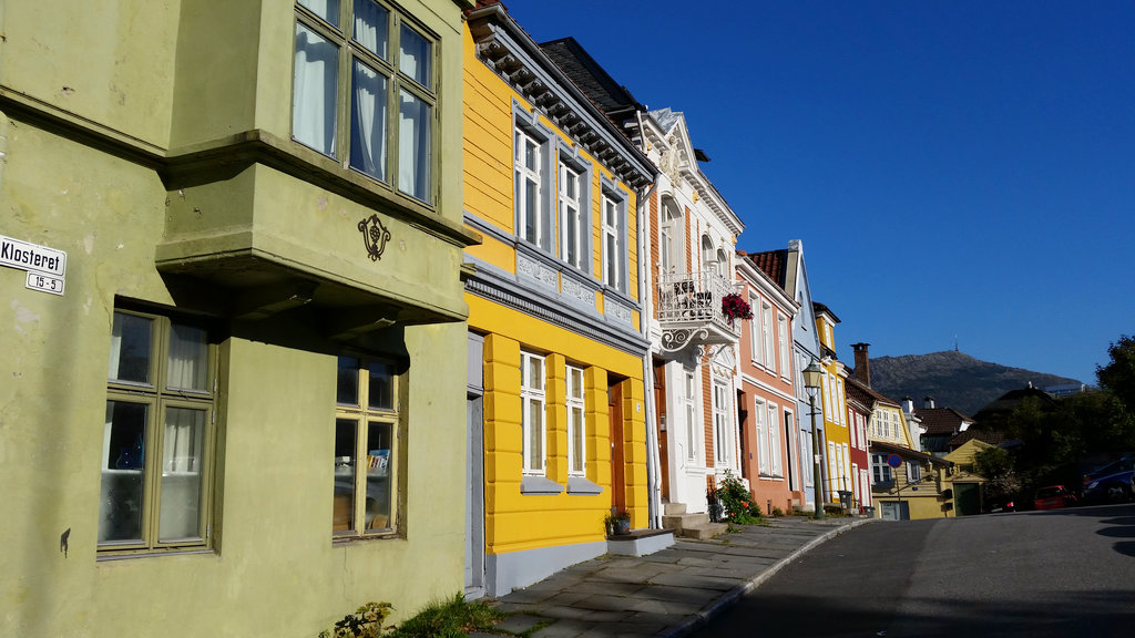 Colorful Bergen street. Photo: Sanjin Đumišić.