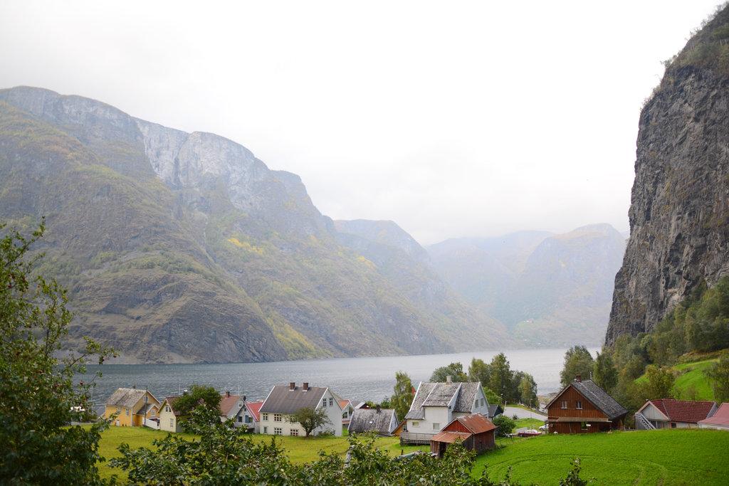 Fjord village in Hardanger. Photo: Sanjin Đumišić.