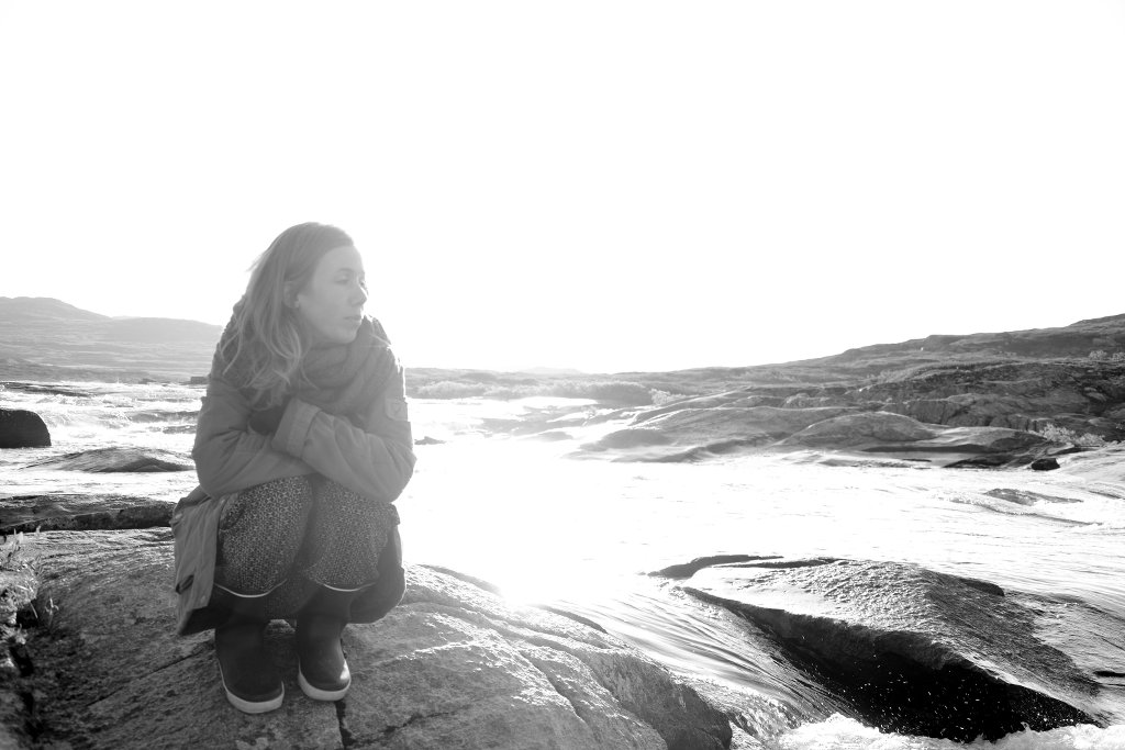 Lisa Sinclair in Hardanger. Photo: Sanjin Đumišić.