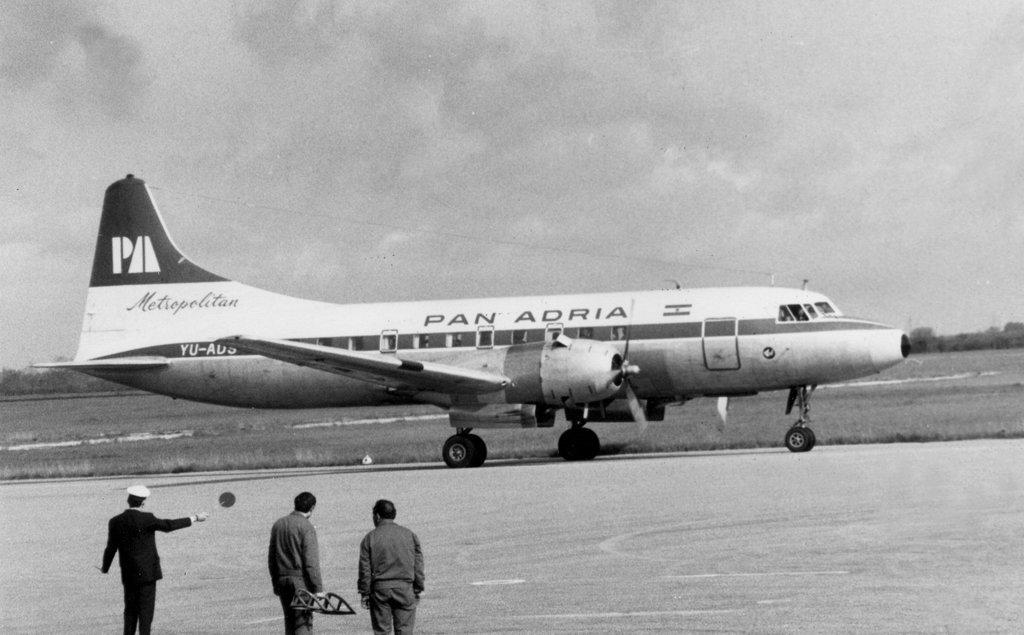 Pan Adria Fokker 227.