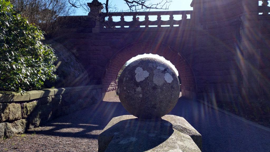 Ball under bridge. Photo: Sanjin Đumišić.