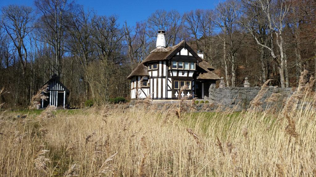 Old cottage in Tjolöholm. Photo: Sanjin Đumišić.