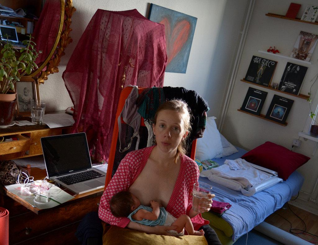 Lisa breastfeeding Florens on first day of July. Photo: Sanjin Đumišić.
