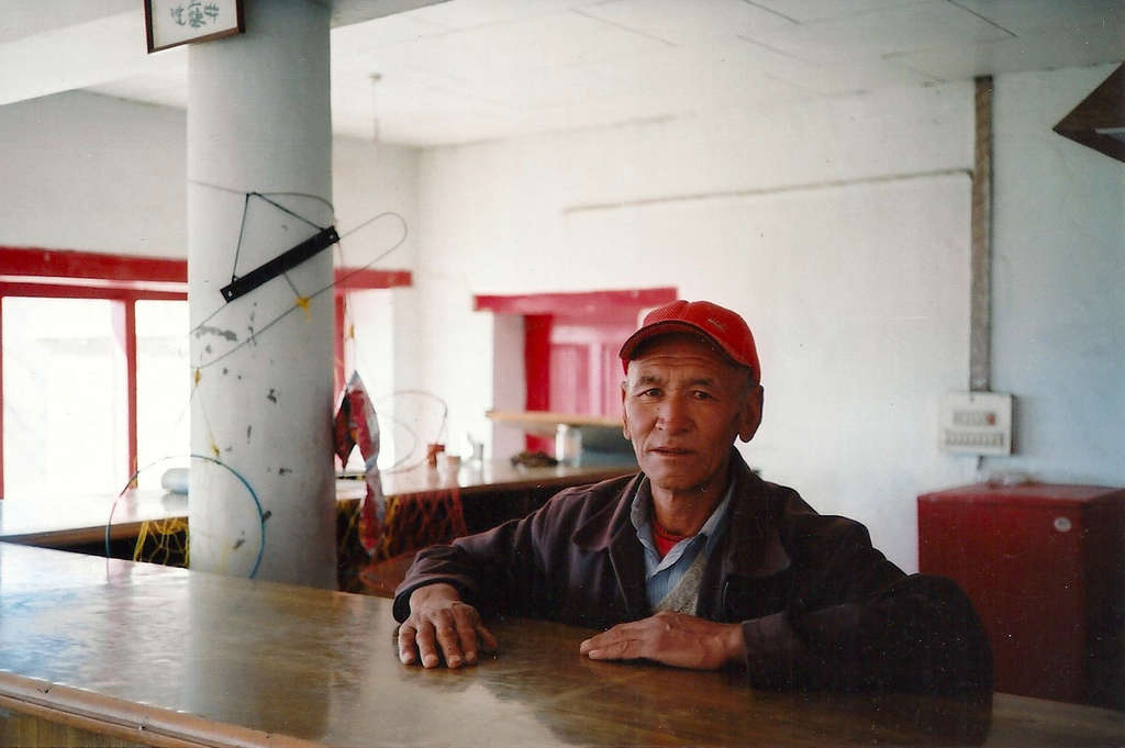 Café portrait in Leh. Photo: Sanjin Đumišić.
