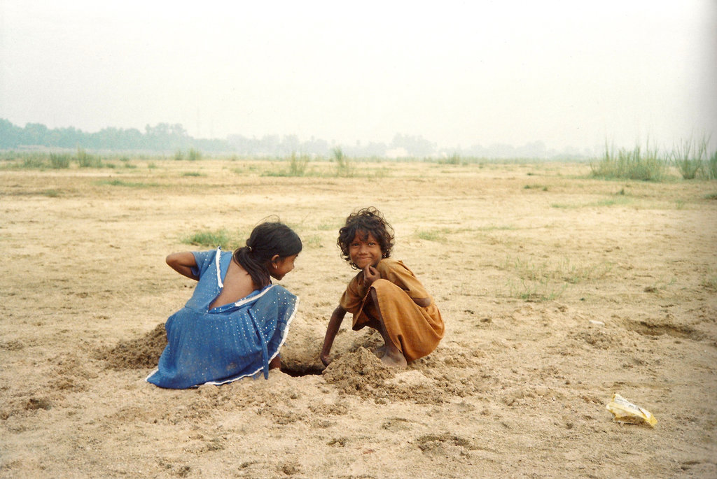 Children play in Bihar India. Photo: Sanjin Đumišić.