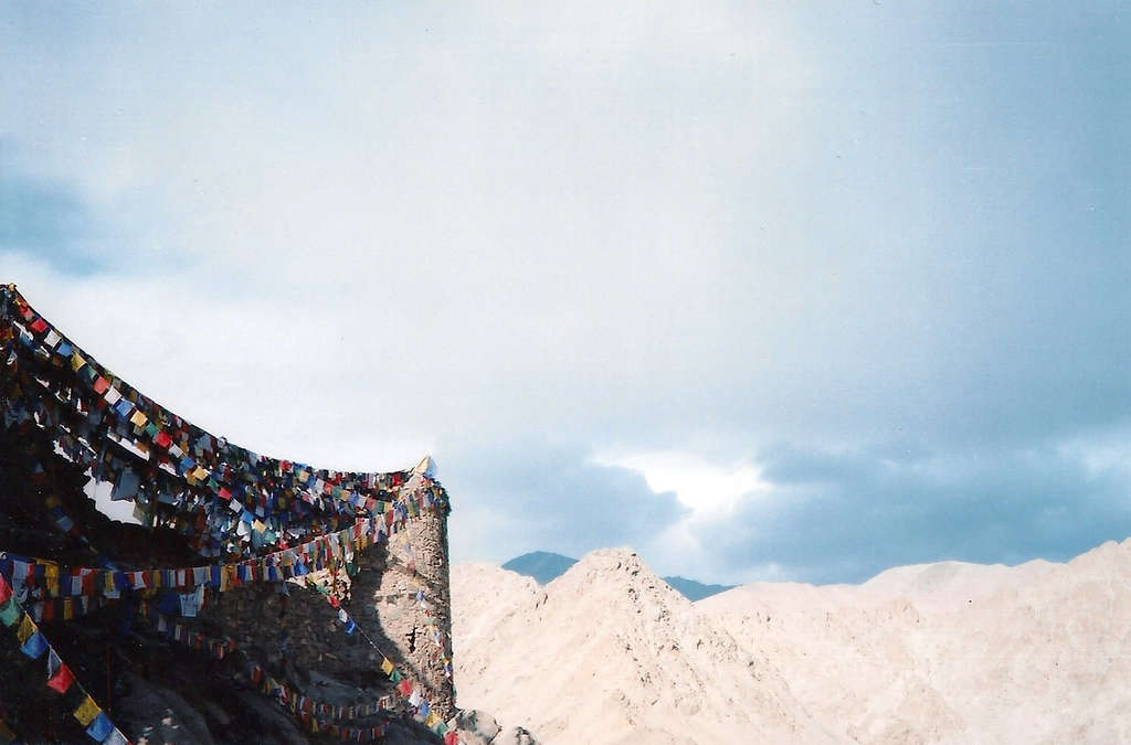 Prayer flags. Photo: Sanjin Đumišić.