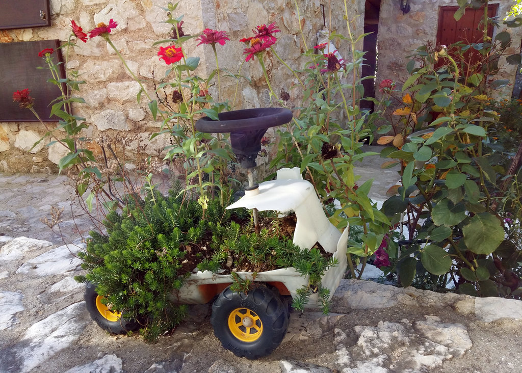 Toddler truck flower pot. Photo: Lisa Sinclair.