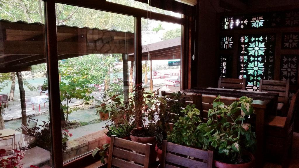 Vrelo Bune restaurant. Photo: Sanjin Đumišić.