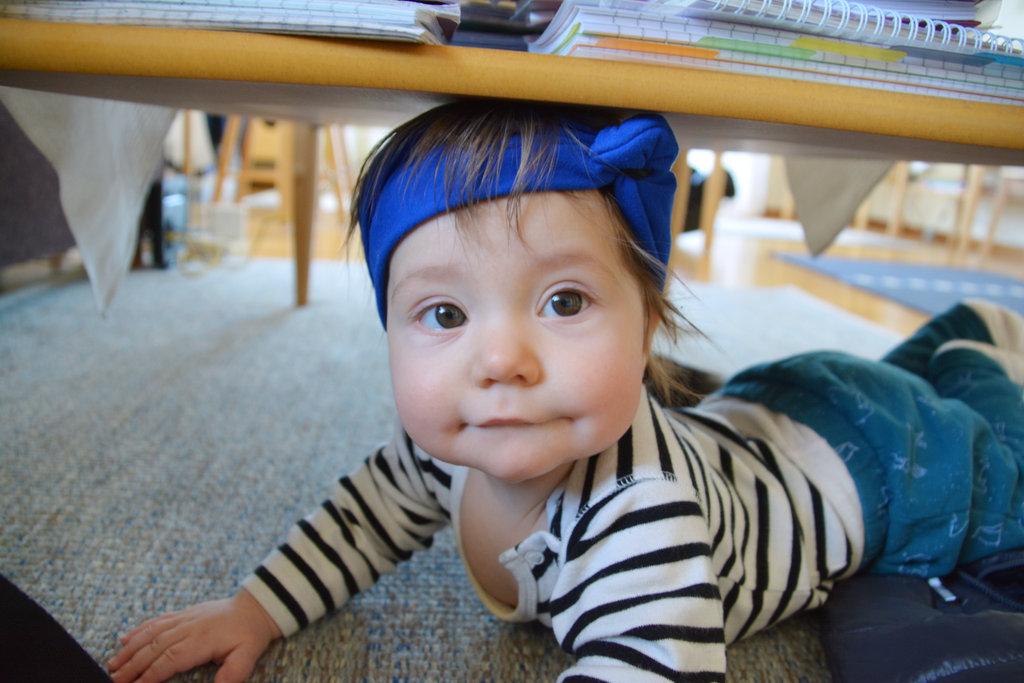 Baby Florens under the table. Photo: Sanjin Đumišić.