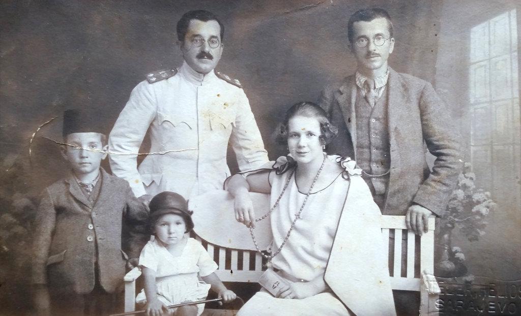 Old Bosnian family photo, taken in a 1920's Sarajevo photo studio of Đumišić family.