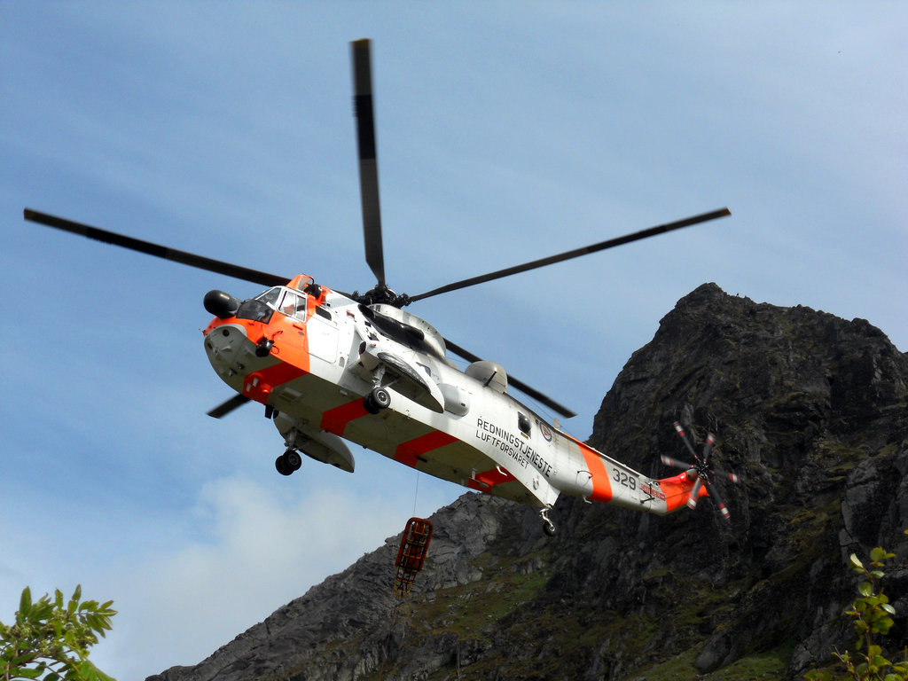 Helicopter rescue in Lofoten. Photo: Sanjin Đumišić.