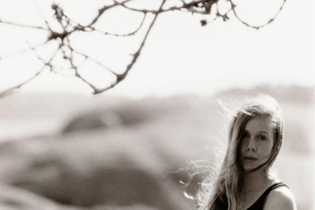 Lisa Sinclair in Fjärås. Photo: Sanjin Đumišić.