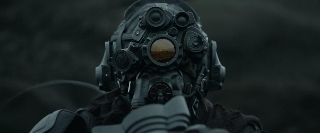 Heavy post apocalyptic outfit. Oblivion by Joseph Kosinski.