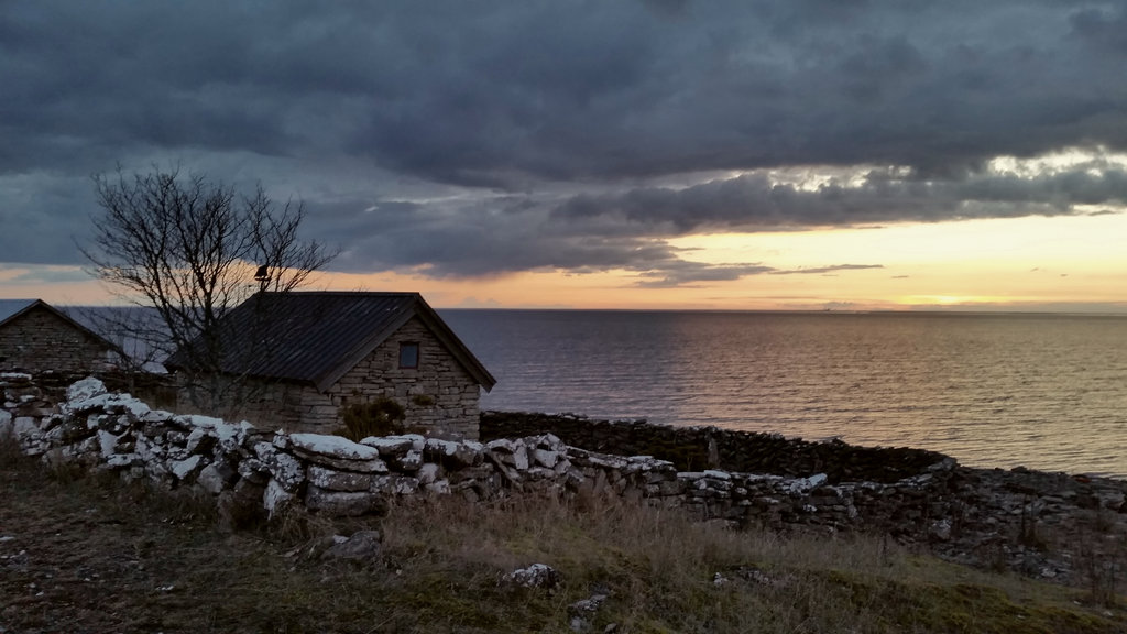 Stone house in Öland at sunset. Photo: Sanjin Đumišić.