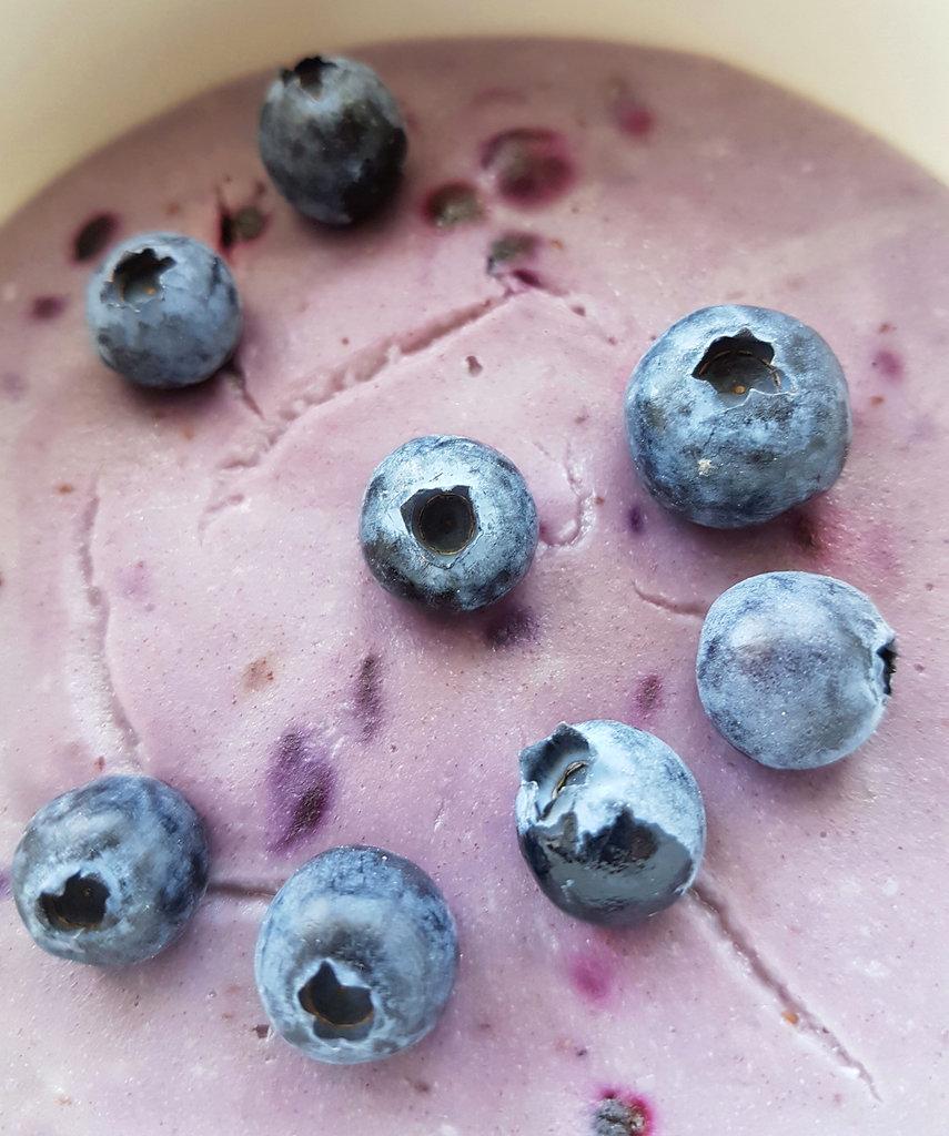 Buckwheat and blueberry porridge. Photo: Sanjin Đumišić.