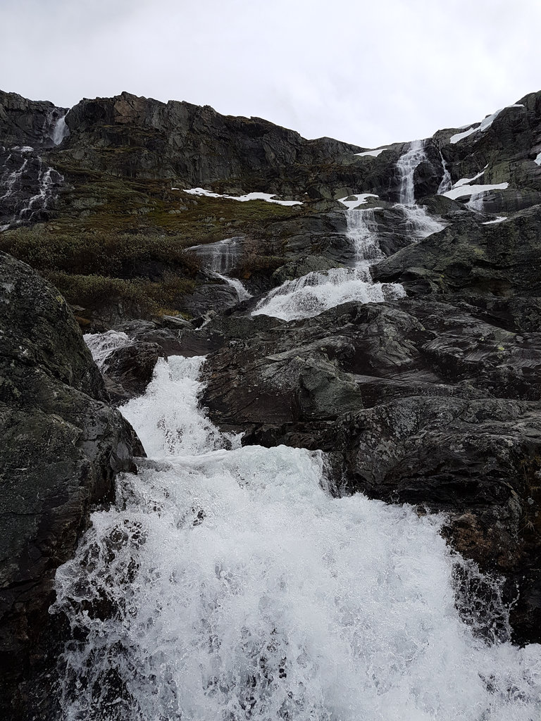 Sognefjell waterfall. Photo: Sanjin Đumišić.