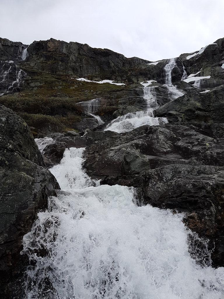 Sognefjell waterfall. Photo: Sanjin Đumišić.