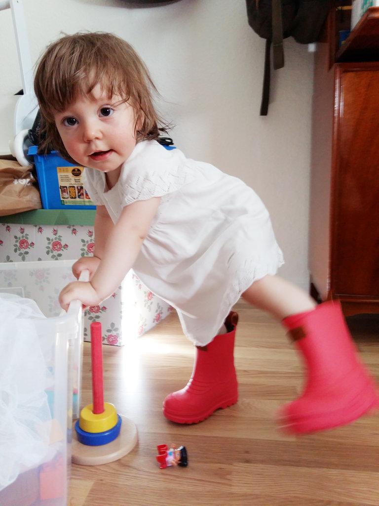 Baby Florens Kavat rain boots. Photo: Lisa Sinclair.