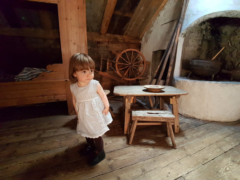 Baby Florens in 19th century style at Äskhults by. Photo: Sanjin Đumišić.