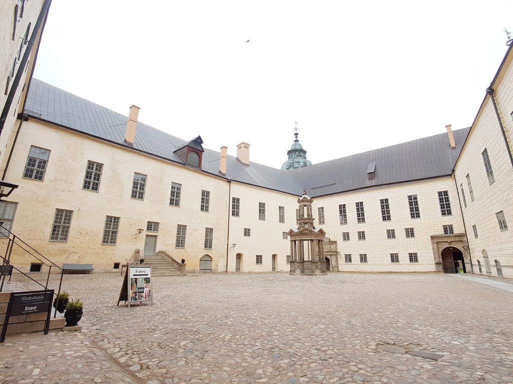 Kalmar Castle courtyard. Photo: Sanjin Đumišić.
