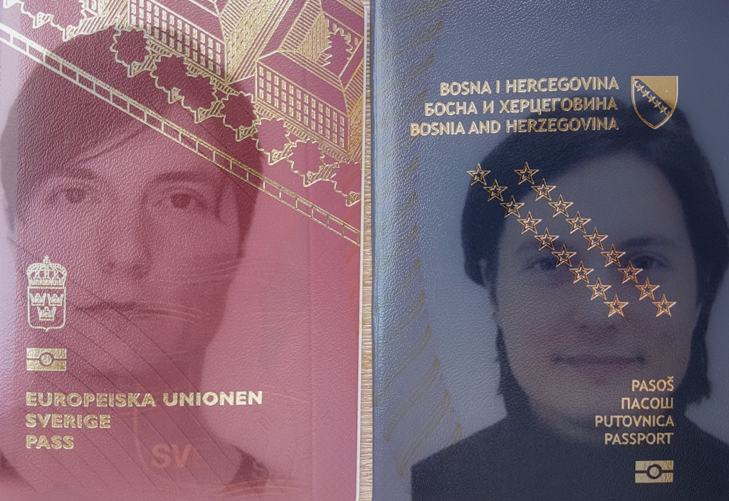 Swedish and Bosnian passport. Dual nationality. Photo: Sanjin Đumišić.