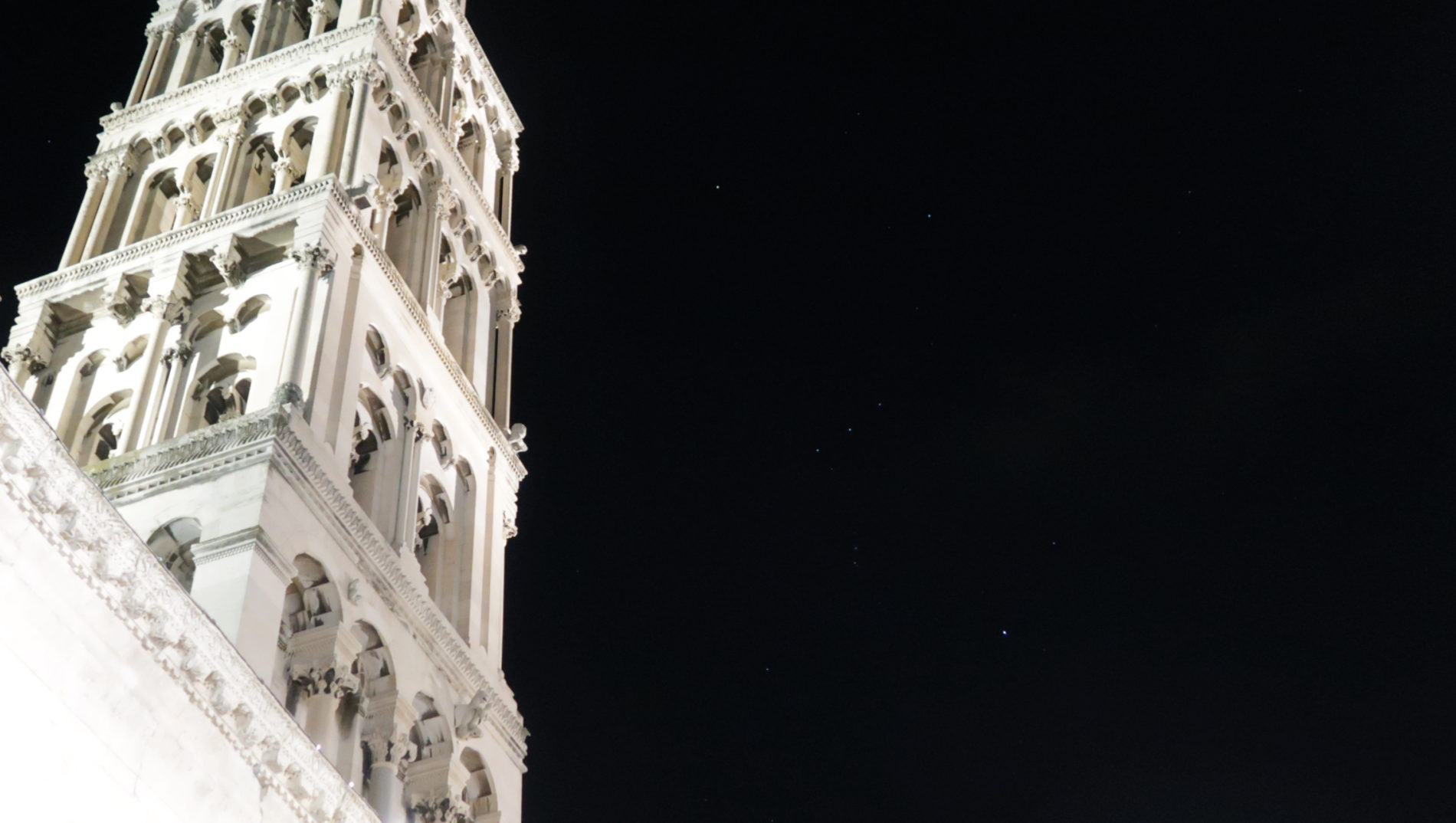 New Year in Split. Diocletian's Palace and Orion. Photo: Sanjin Đumišić.